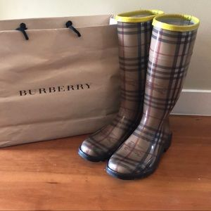 Burberry Rainboots with Yellow Stripe